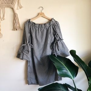 Stylehouse Gingham Off the Shoulder sz L ✨